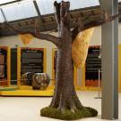 Baum 250 cm hoch mit Bienenwaben
