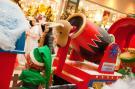 Christmas Train -Kohlen Tender mit Zirkus-Kanone und Schneeballmaschine