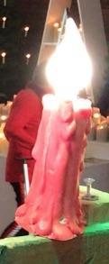 PU Kerze mit Flamme und modelliertem Kerzenkörper