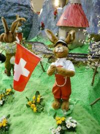 Hasen in der Schweiz- Fahnenschwinger und Alphornbläser - Szene 3