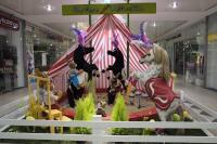 Zirkus Möhretti - Manege mit Zirkuszelt-Szene2