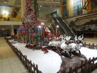 Rentiergespann mit 2 Wagen und Weihnachtsmann