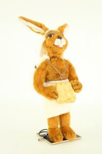 Hare- Eigypten with basket on the back