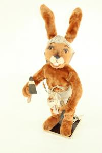 Hare- Eigypter with tools