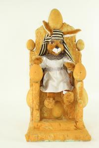 Hare- Eigypter pharaon sits on throne