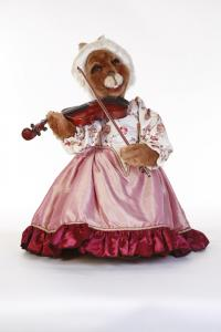 Hase- musicians in baroque robe with violin1