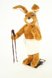 Hare- Eigypter with whip
