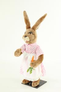 Hare- woman with apron and carrot