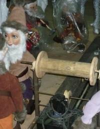 4 Bergwerks Elfen mit Bart  kurbeln Erz aus der Zaubererz MineChristmasworld Collection 2011
